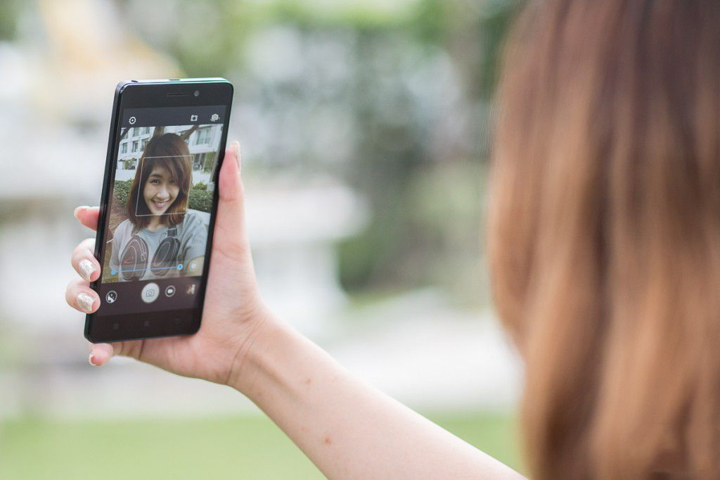 lenovo-a7000-plus-selfie